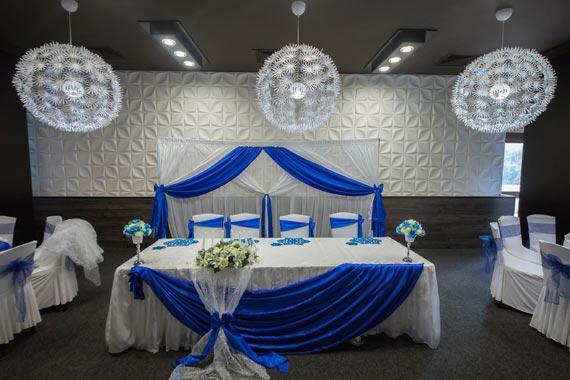 3д панел ARYL като фон на маса за младоженци